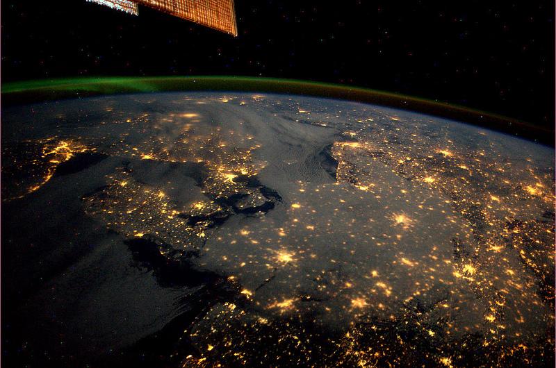 André Kuipers/ESA/NASA : Danemarca cu Copenhaga, Norvegia cu Oslo, Suedia cu Stockholm, Nordul Germaniei. Si bineinteles Aurora Boreala