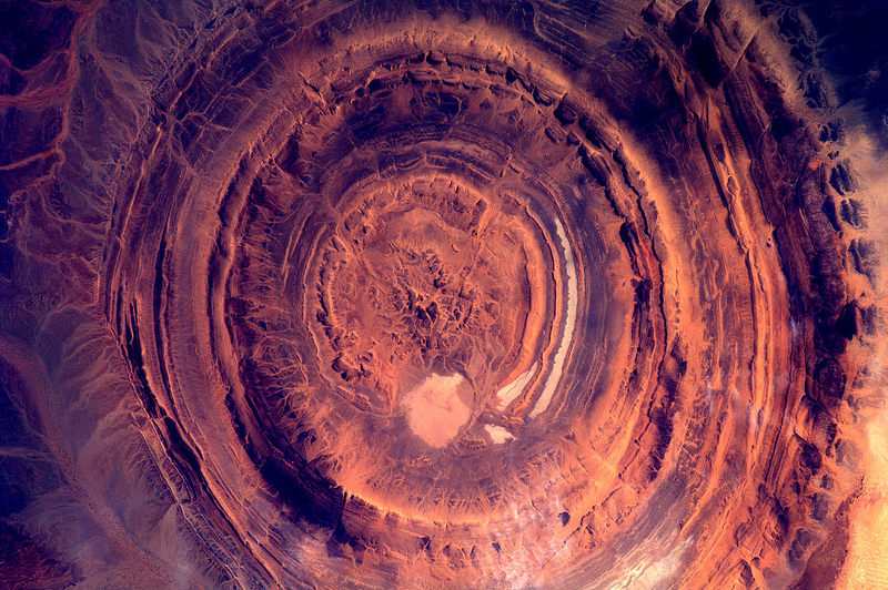André Kuipers/ESA/NASA : Sahara ; crater in Mauritania