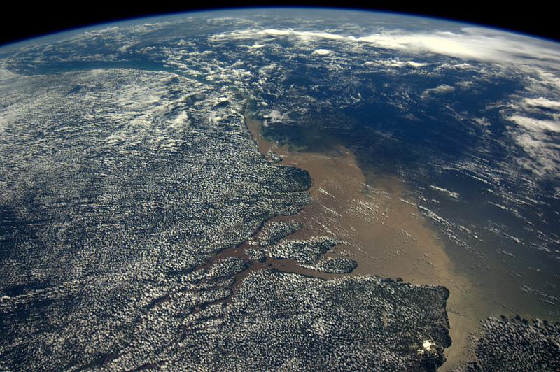 André Kuipers/ESA/NASA - Paduri tropicale defrisate; Gurile Amazonului