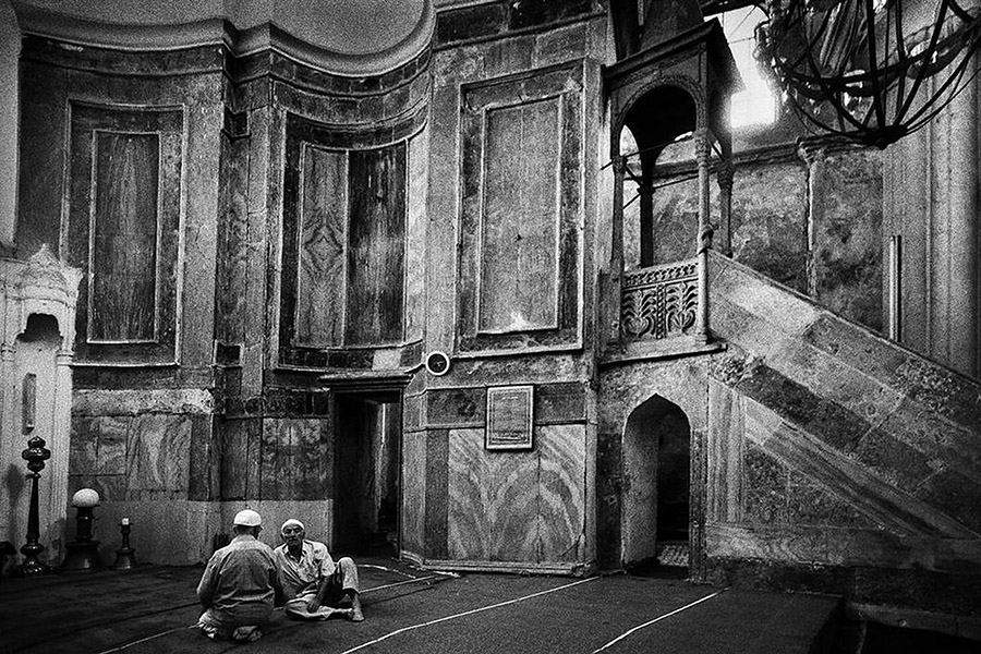 Ara-Guler-Ochiul-din-Istanbul-02