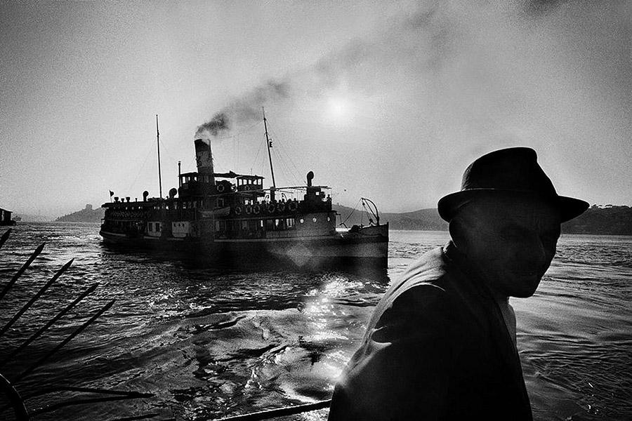 Ara-Guler-Ochiul-din-Istanbul-05