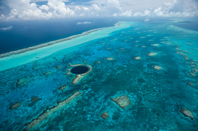 Blue_Hole_and_Belize_Barrier_Reef
