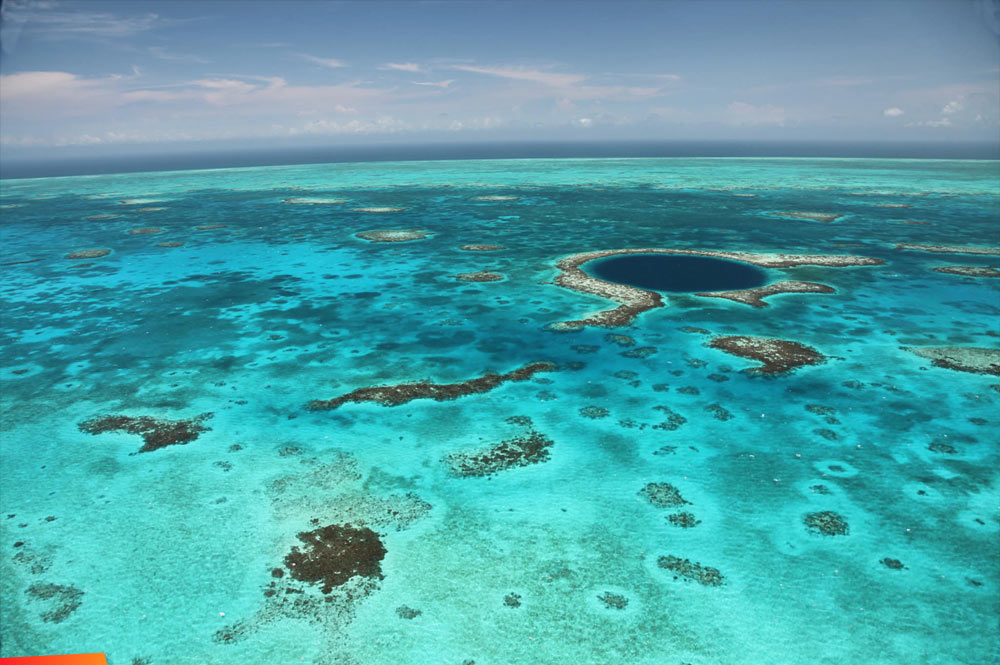 great blue hole - belize - wiki