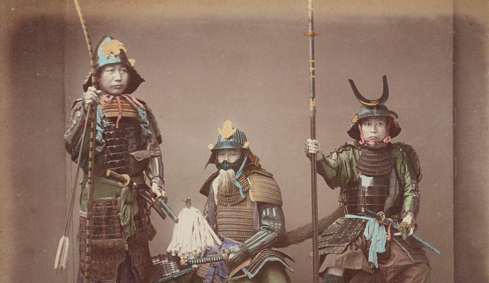 Kusakabe Kimbei Samurai îmbrăcați în armuri (1)