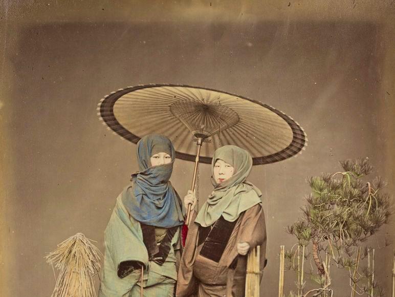 Kusakabe Kimbei - Fete cu felinar